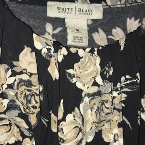 🌹White House Black Market floral tank🌹EUC!